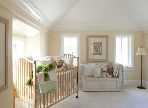 Benjamin Moore Montgomery White Paint Pale Yellow Like The Colour Good For A Guest Room