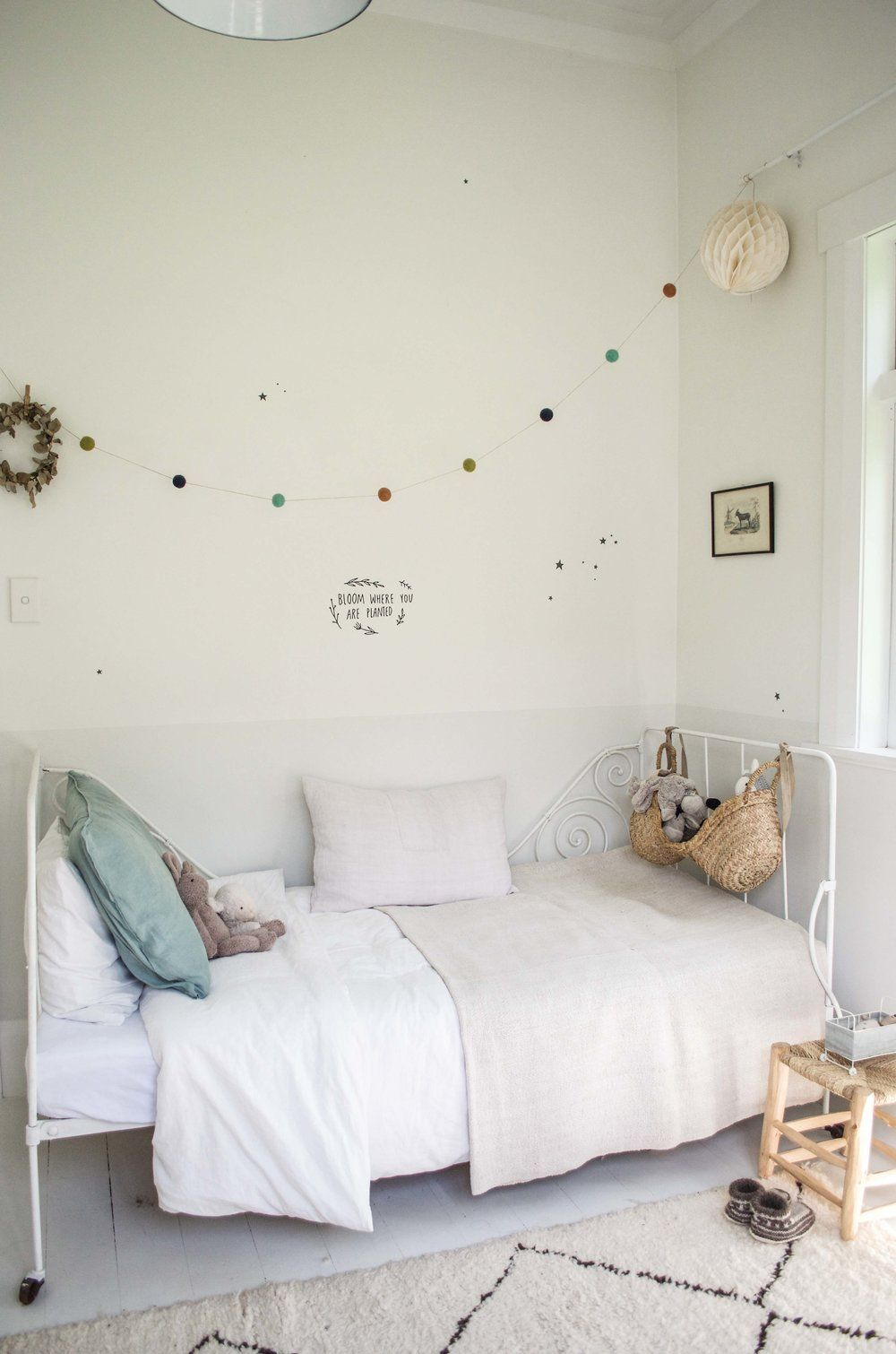 das bett ist traumhaft s und gibt einem kinderzimmer den besonderen charme nesting. Black Bedroom Furniture Sets. Home Design Ideas