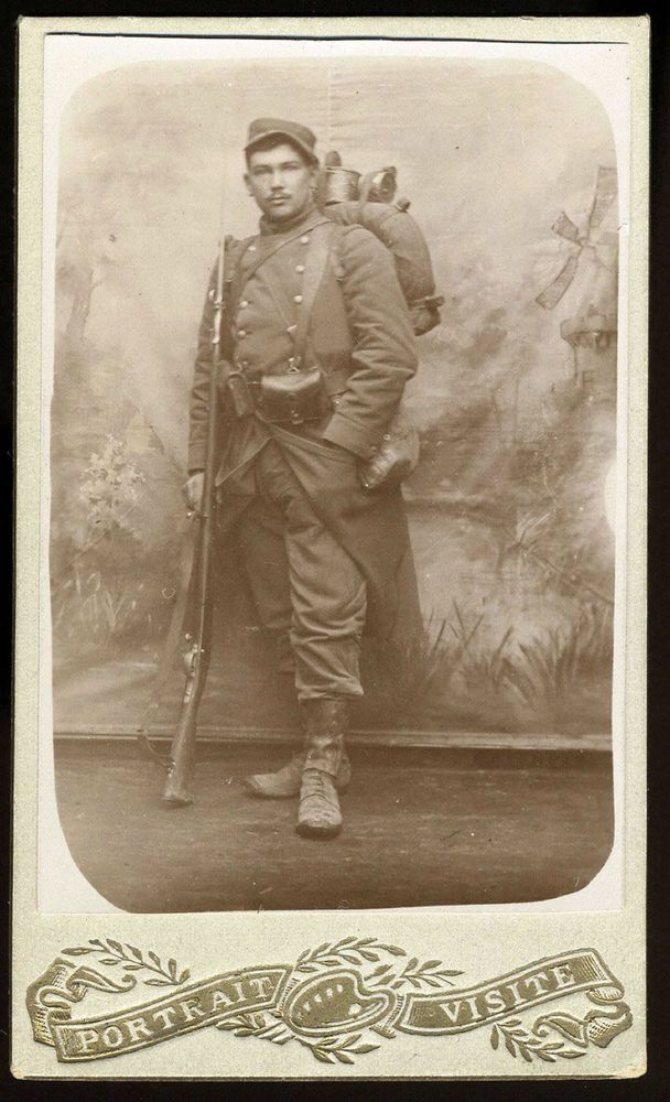 LATINO MEDITERRANEAN SOLDIER WITH RIFLE CANTEEN KNAPSACK COOL CDV PHOTO