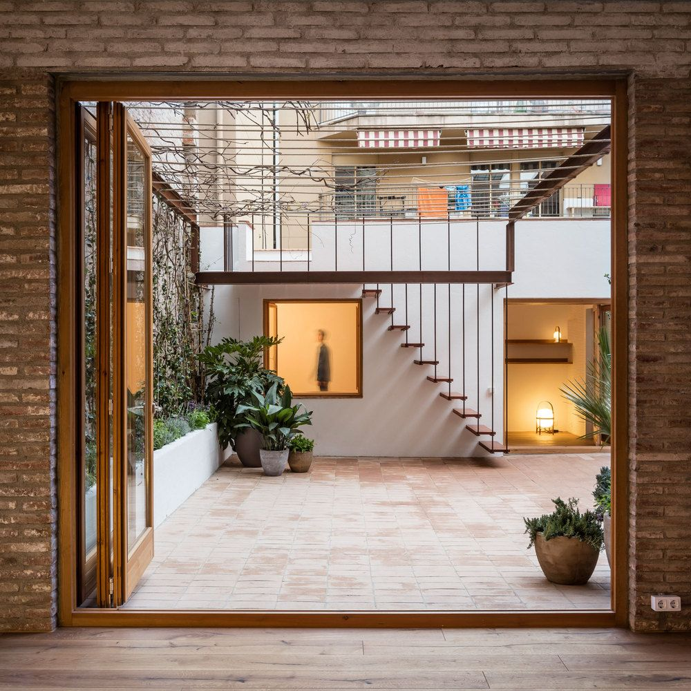 33 Staircase Designs Enriching Modern Interiors With: Gallery Of Gallery-House / Carles Enrich - 11