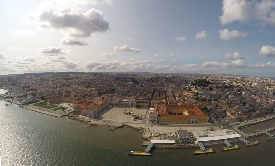 www.facebook.com/LisbonHelicopters