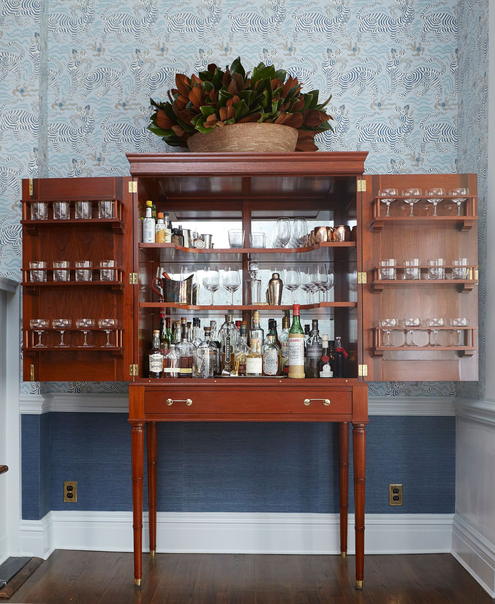 A Perfectly Patterned Brooklyn Heights Home For The Ages Bars For Home Home Dream Kitchen