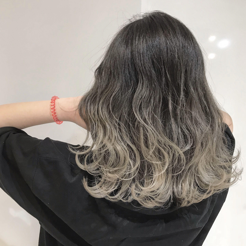 ひなblog 赤みのない ボブシルバーグラデーションカラー ヘアスタイリング 髪色 ハイライト 髪色 グレージュ