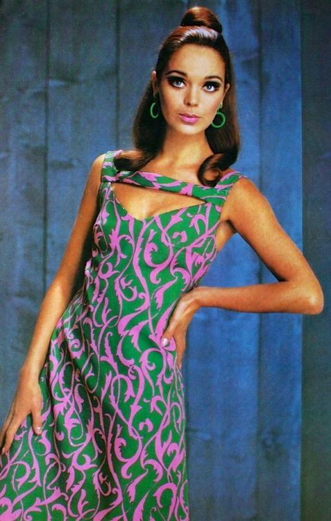 theswinginsixties:  Dress fashion for Günther Moden, July 1967.