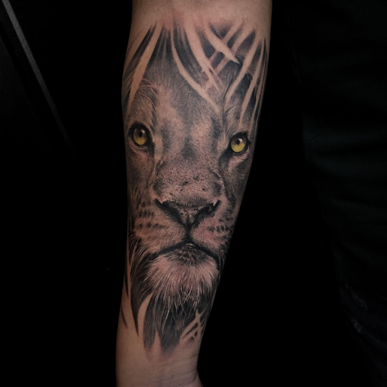 @lovetattooec @inkmens #guayaquiltattoo #tattoowork #tattooguayaquil #tattooecuador #arte #tattooart #sombras #realistictattoo #tattoostyle #lovetattoo #guayaquil #anclatattoo #realismotattoo #tatouage #blackandgreytattoo #art #inkedup #tattoo #tattoos #ink #inked #tatuaje #inktober #realistictattoo #tatuagem #tatuaggios #realistic #realism #retrato #lions