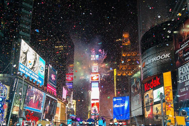 8 Tips For Enjoying Times Square On New Year S Eve New Year S