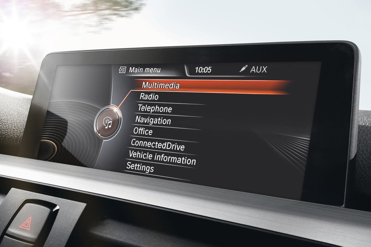 Bmw Idrive Screen All You Need To Know Bimmertech In 2020 Bmw Car Experience Bmw Interior