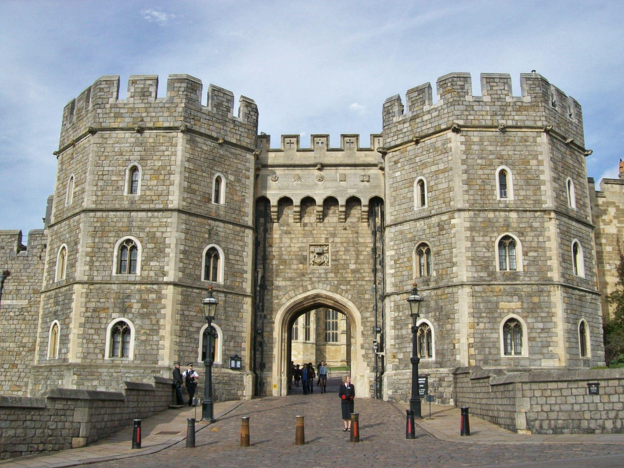 Windsor Castle - ค้นหาด้วย Google   Royal Palace   Pinterest ...
