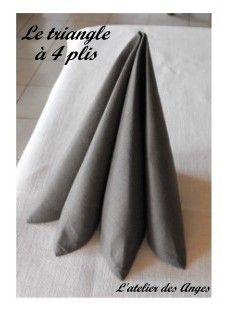 pliage de serviette le triangle 4 plis d co de table. Black Bedroom Furniture Sets. Home Design Ideas
