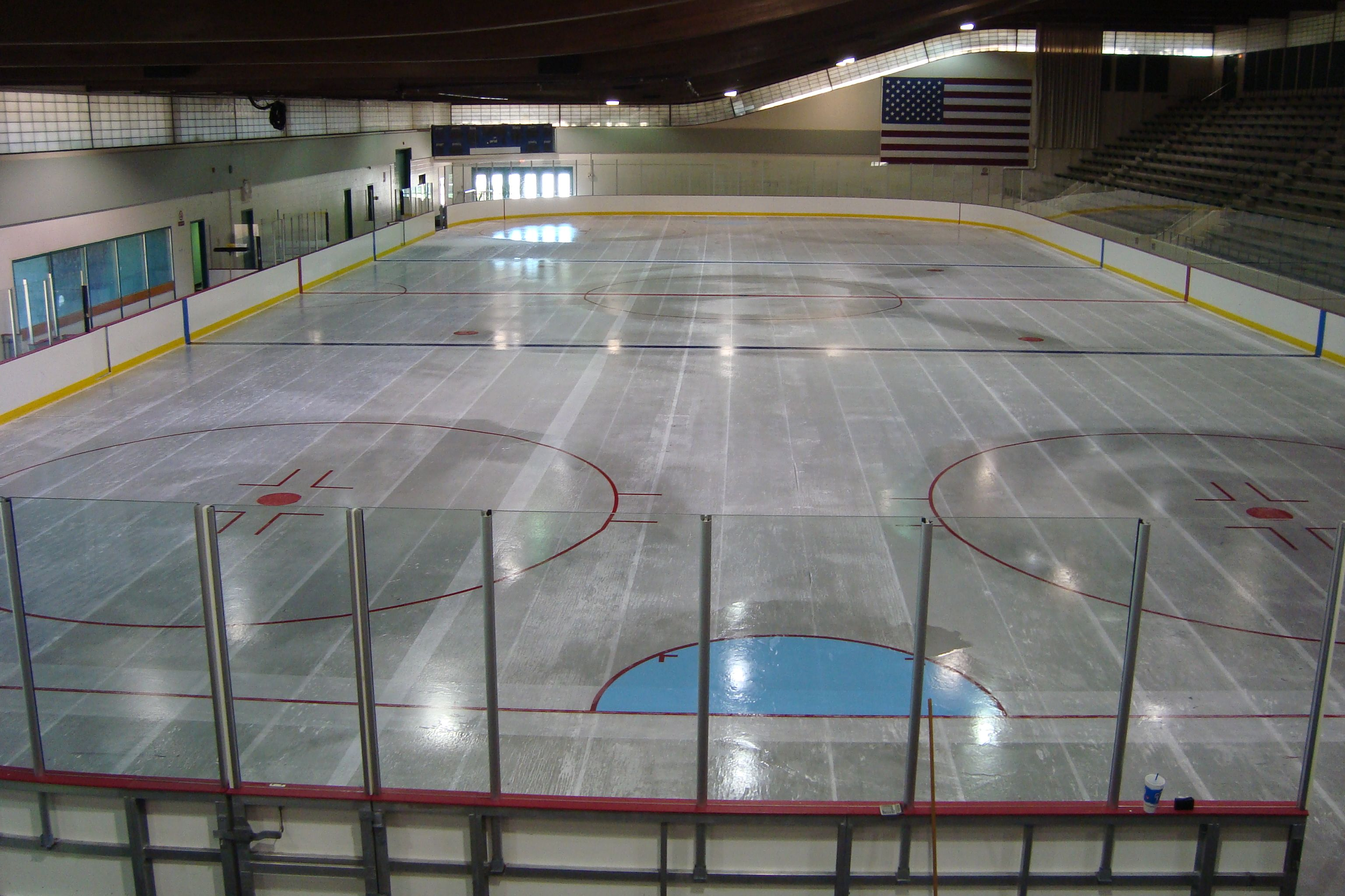 Queeny Ice Rink Nhl Size Rink Skate Lessons Available Rent The Rink For Fund Raisers Or Parties Hockey And Public Sessions O Hockey Hockey Rink Ice Rink
