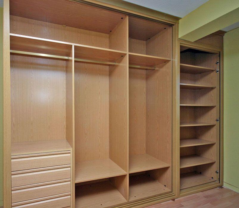 Interiores armarios empotrados a medida lolamados - Vestir armarios por dentro ...