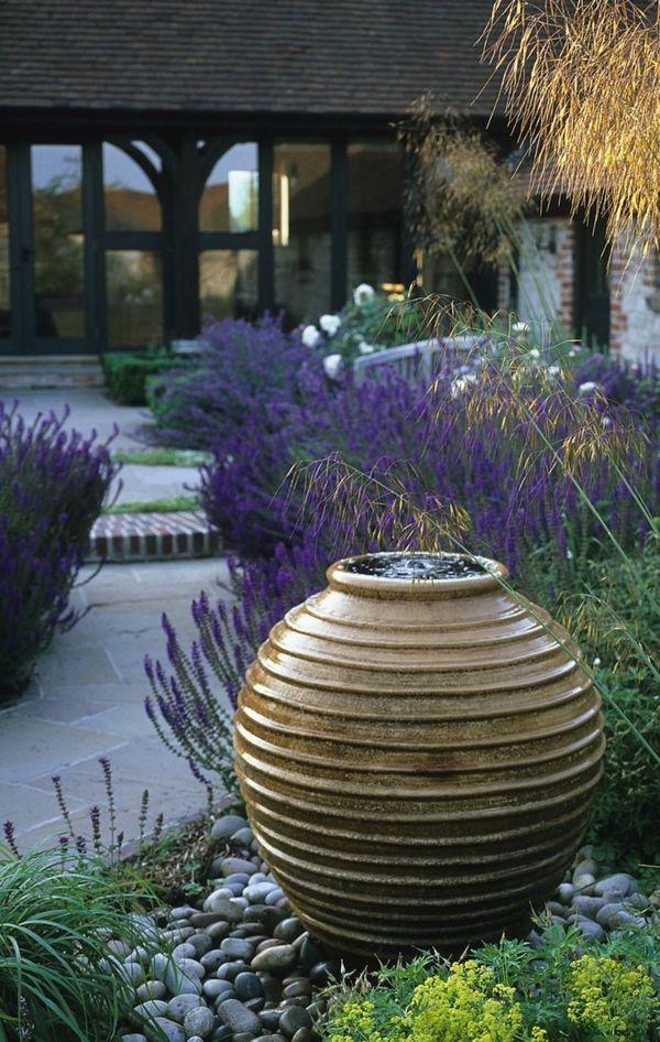 Best wasserbrunnen im garten moderne hausgestaltung Wasser im Garten u Freude die ganze Familie