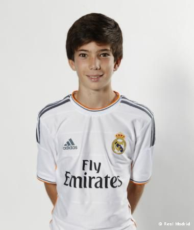 Theo | mediapunta Alevín A | Real Madrid CF Marsella (Francia)18/05/200240 kg.1, 59 m.