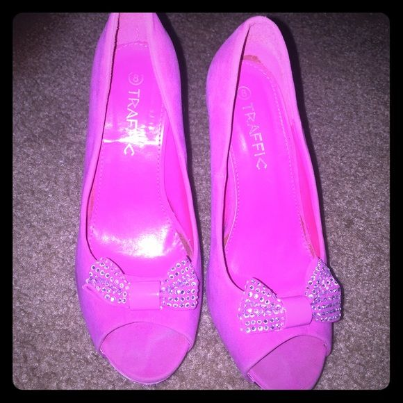 Hot pink Barbie shoes!!!😍👠👠 Has normal wear used maybe 5 times😊😊 Shoes