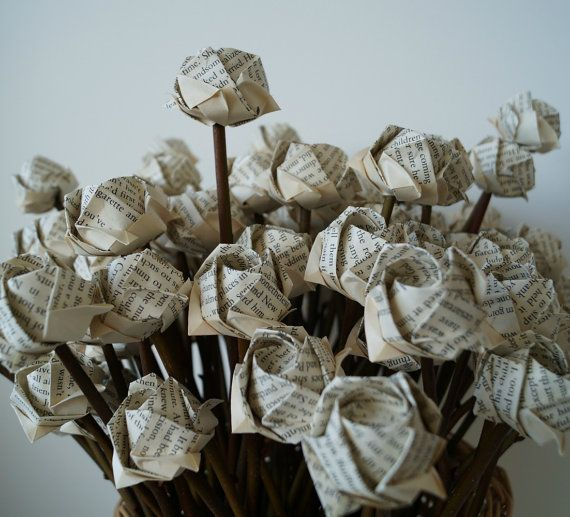 Christmas bouquet-Old bookpage Rose bouquet-origami by Meiorigami
