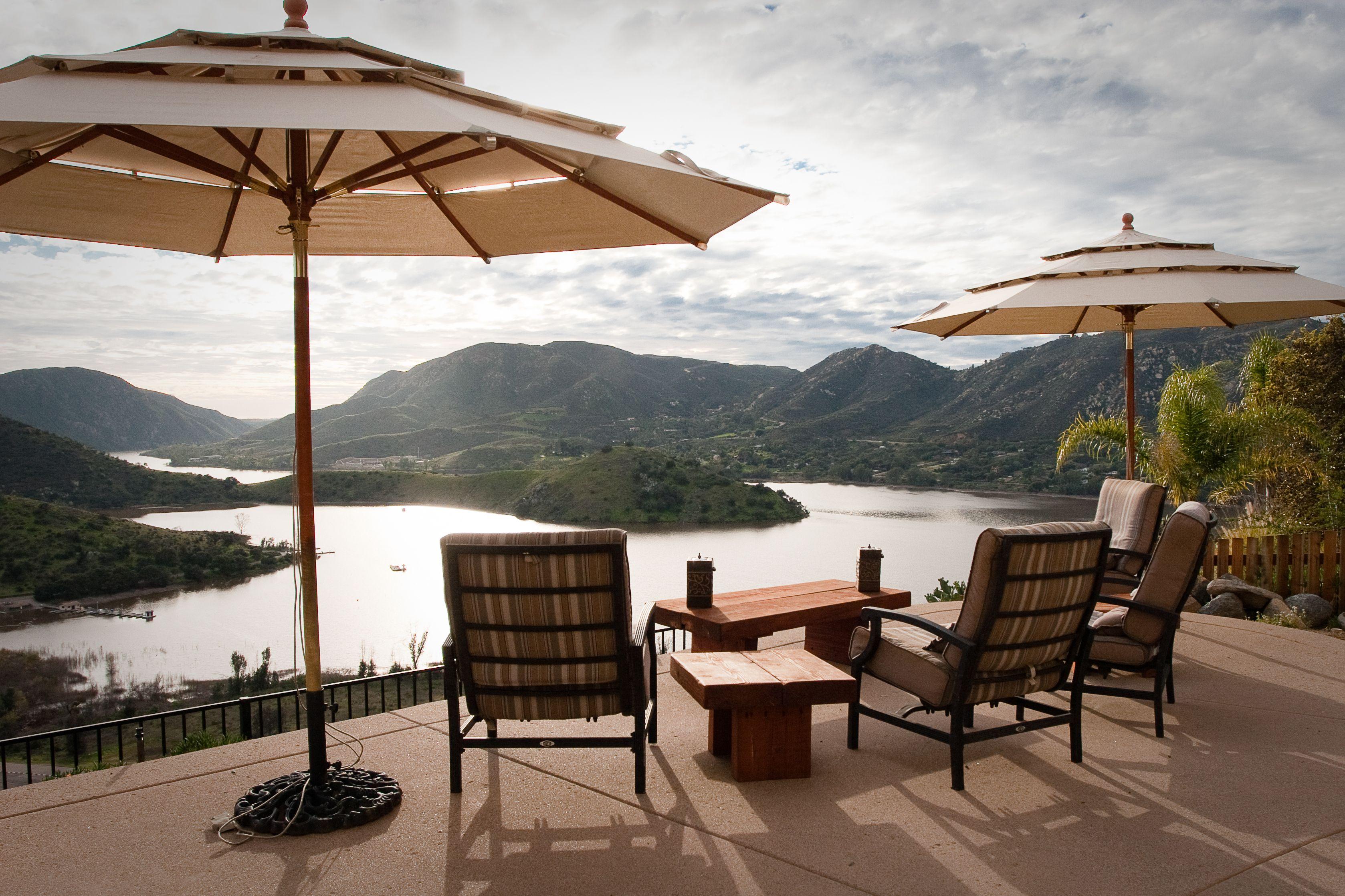 This stunning sixbedroom Southern lake view Escodto
