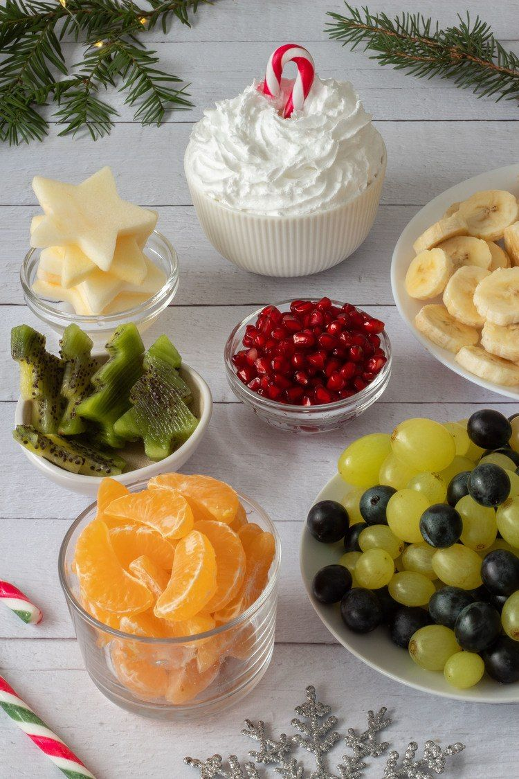 Christmas Fruit Salad.Christmas Fruit Salad Cups