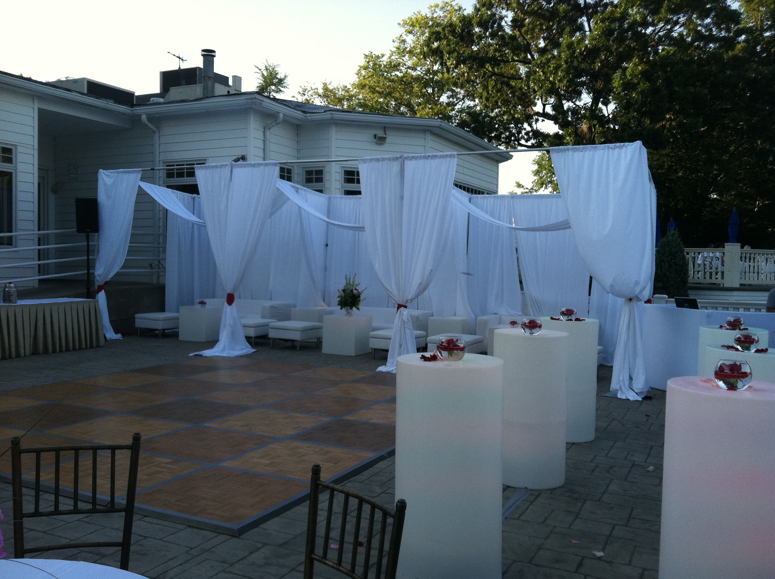 Looking to have an all white party need ideas wanna rent for Outdoor cocktail party decorating ideas