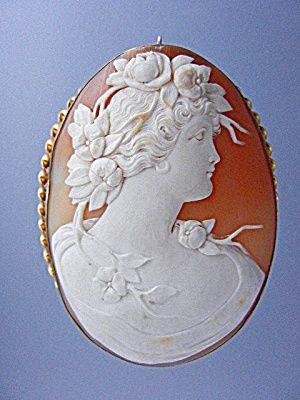 Shell Cameo Carved Brooch Pin 10K Italy.