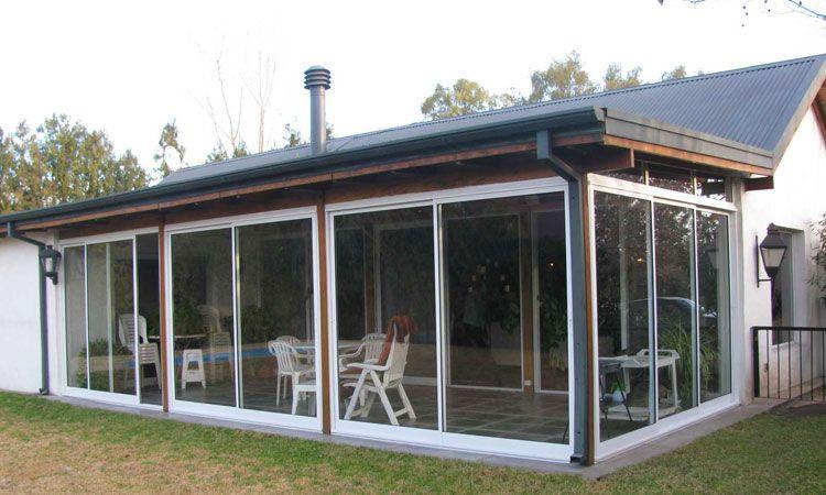 Quinchos cerrados con aberturas de aluminio buscar con for Casa quinchos modernos fotos