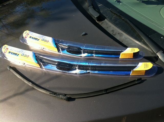 What Stores Sell Windshield Wipers
