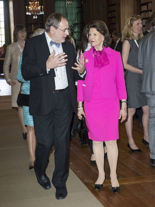Queen Silvia in fuchsia, June 2017