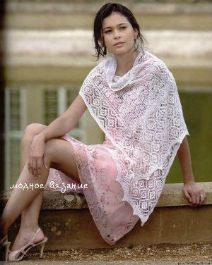 Бактус *Lacy Kerchief Scarf* связанный спицами - Модное вязание