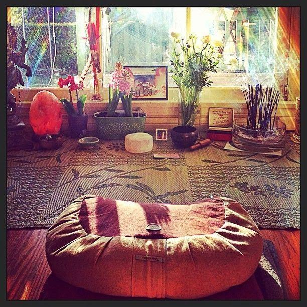 Pin By Analisa Johansen On Decor Meditation Rooms Meditation Room Meditation Space