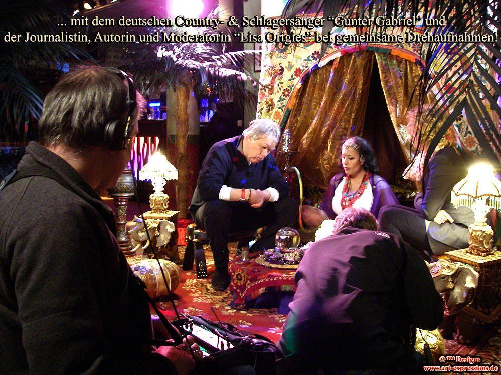 """http://soul-visions.com http://www.pandoramichelelorenz.com/   Ägyptische Wahrsagerin """"Shaila - die Wüstenblume"""", eines durch internationale Events, Presse und TV bekanntesten Event-Wahrsagerinnen Bundesweit, bietet Ihnen Wahrsager Beratungssitzungen mit komplett eingerichtetem und dekoriertem Luxus Wahrsagerzelt, für Galas & Events!  http://www.pandoramichelelorenz.com/ http://soul-visions.com"""