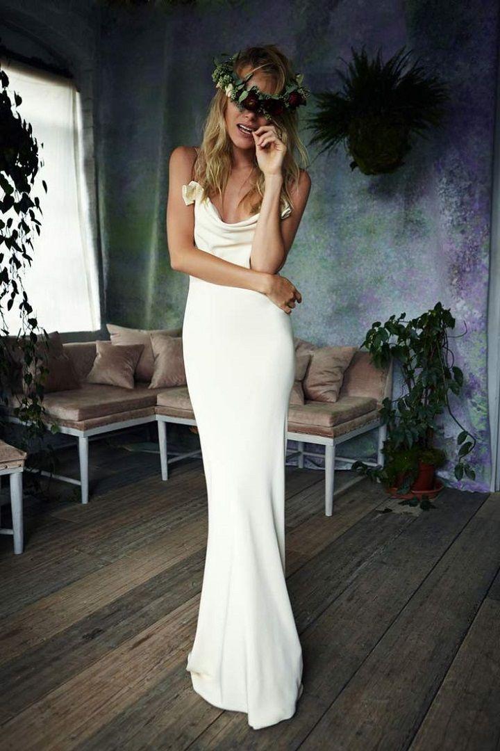Sheath wedding dress - super slim wedding dress | itakeyou.co.uk #weddingdress #weddinggown #slimweddingdress #bohoweddingdress
