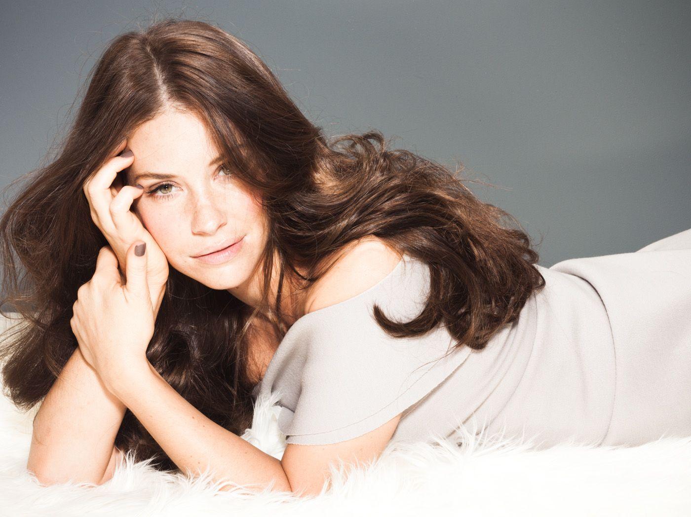 Evangeline Lilly desktop wallpaper free download in