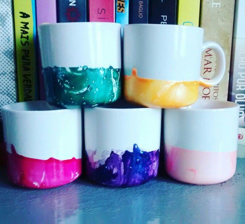 Xícara customizada com esmaltes