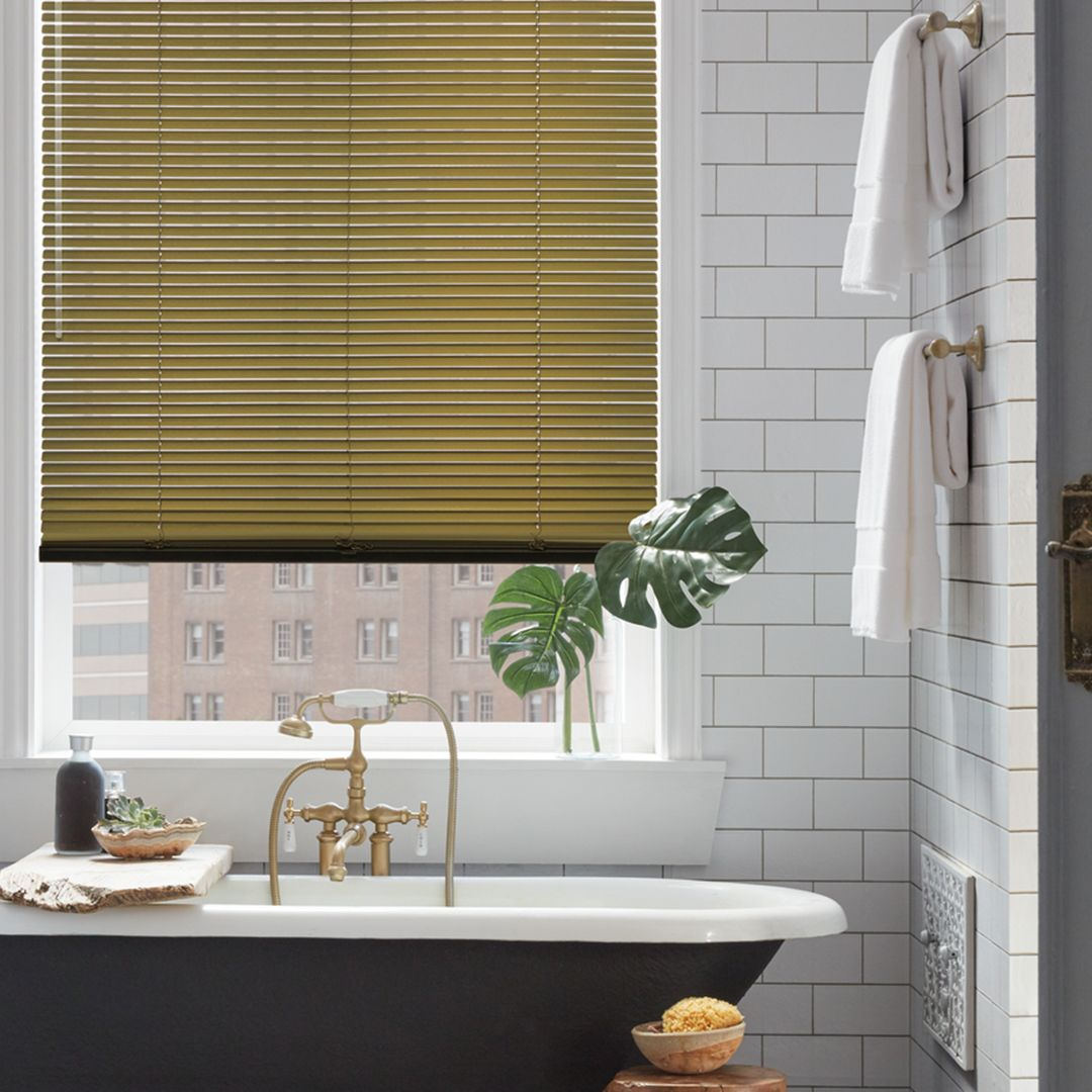 Bathroom With Hunter Douglas Gold Aluminum Shades Window Coverings Custom Window Treatments Horizontal Blinds [ 1080 x 1080 Pixel ]