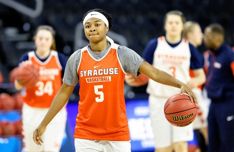 Unflappable South Carolina Will Feel The Heat Of Syracuse