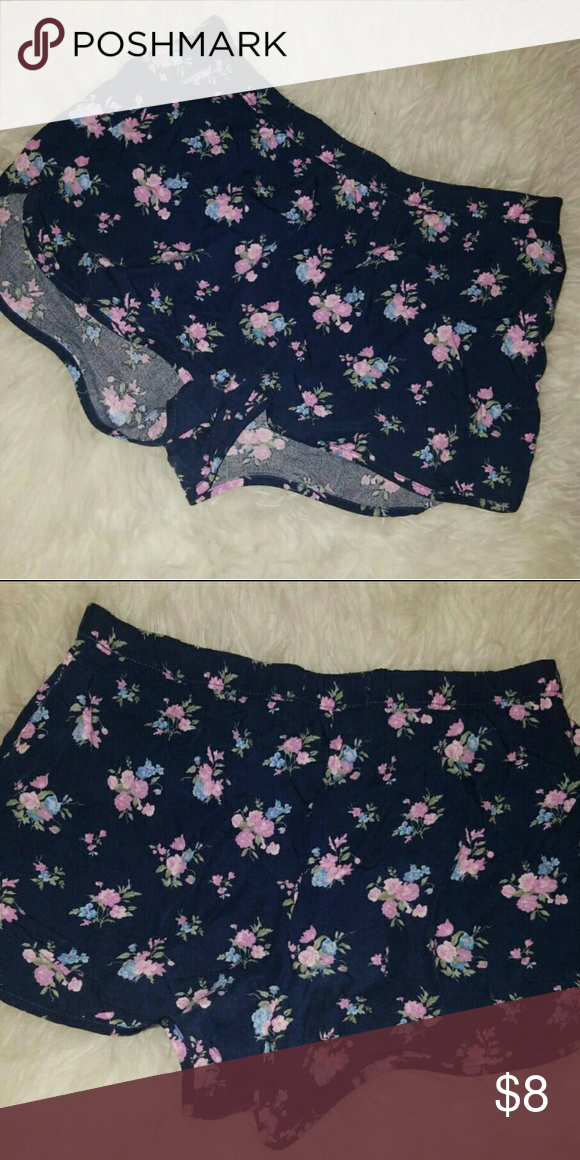 Abercrombie Kids Floral Shorts Abercrombie Kids. Sweet and comfortable due to the floral print & soft material. Size XL in kids & fits like an adult's XS. Only worn once or twice. No trades please. abercrombie kids Bottoms Shorts