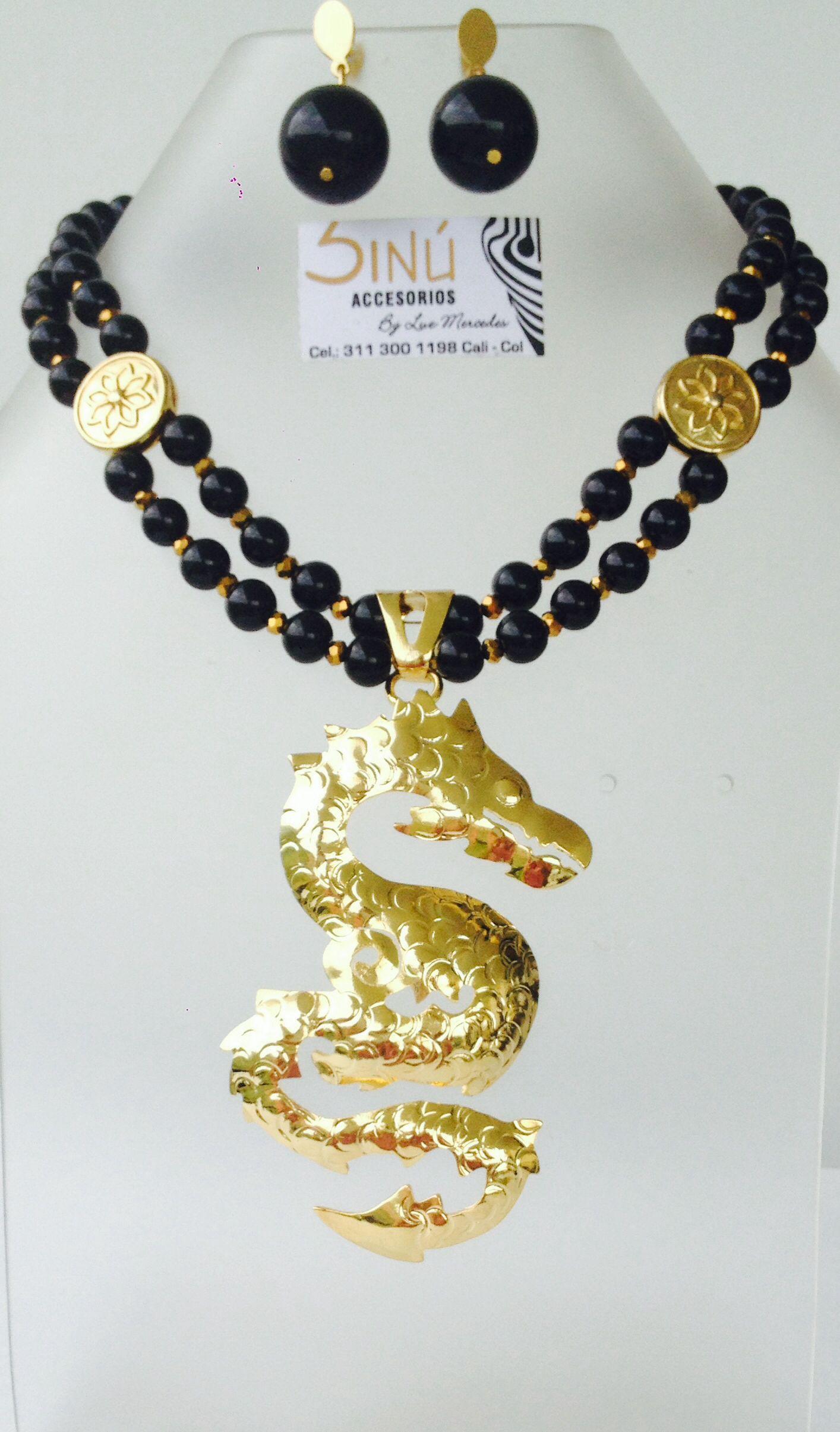 Collar negro drag n bronce con ba o de oro sinu for Accesorios bano bronce