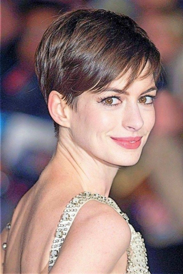 anne hathaway short hair back Hairstyles in 2019 Anne
