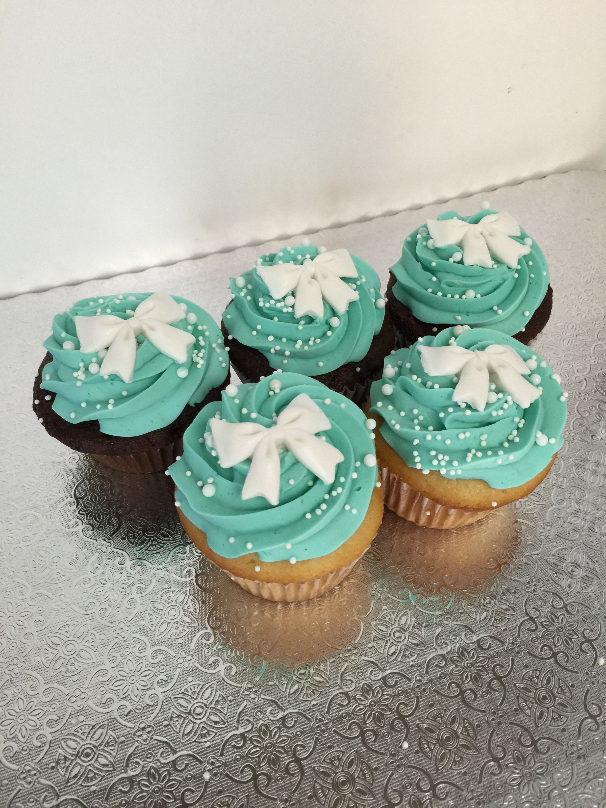 664953a1a3c tiffany & co cupcakes | Cupcakes | Cupcakes, Engagement party ...