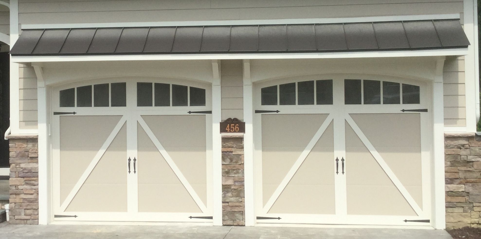 Classica northampton garage door white 9 x 8 no windows - Two 9x8 Model 5333 Carriage House Overlay Garage Doors With Arched Madison Top Glass Spade