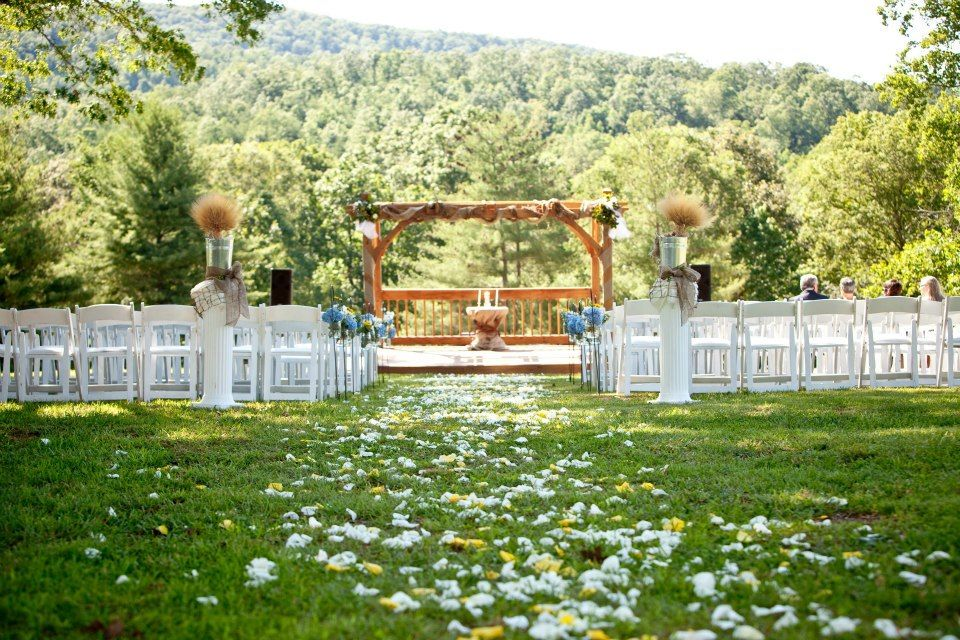 Trying To Find Barn Wedding Venues In Georgia Look Through The List And You Are Sure Perfect Backdrop Your Rustic
