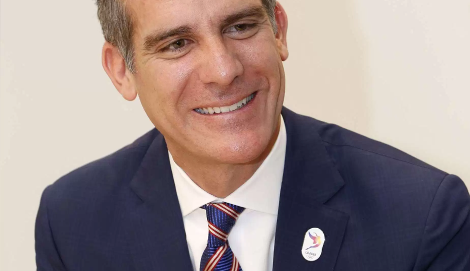 Los Angeles Mayor Launches Effort To Connect Latino Talent With Hollywood In 2020 Hollywood California Hollywood Latino