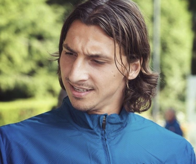 Zlatan Ibrahimovic Zlatan Ibrahimovic Soccer Players Celebrities