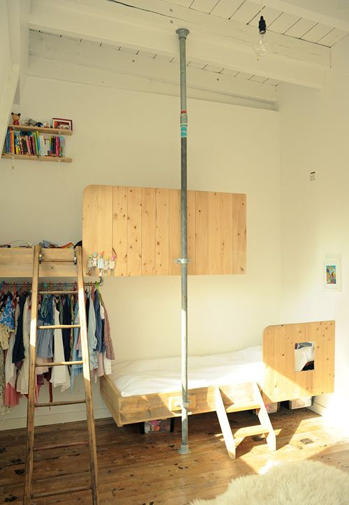 Kee Klamp Floor To Ceiling Pole To Give Wall Mounted Beds Extra