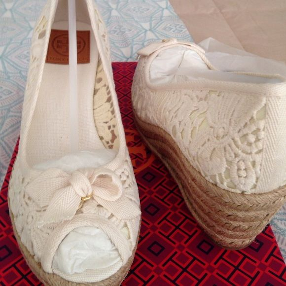 0075d8e5e0a Tory Burch nib Jackie lace espadrilles wedges White lace upper 4 1    braided wedge rubber outsoles made in Spain Tory Burch Shoes Espadrilles