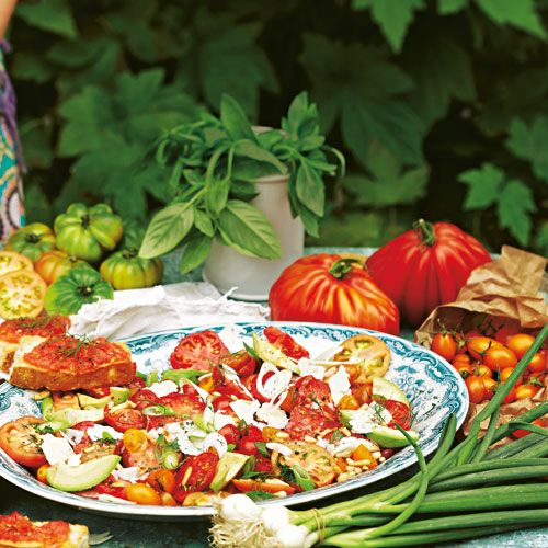 Leckere Rezepte mit Tomate. Dank reichlich Tomaten soll ja Sophia Loren so jung und toll aussehen... #tomaten #rezepte #jungbleiben
