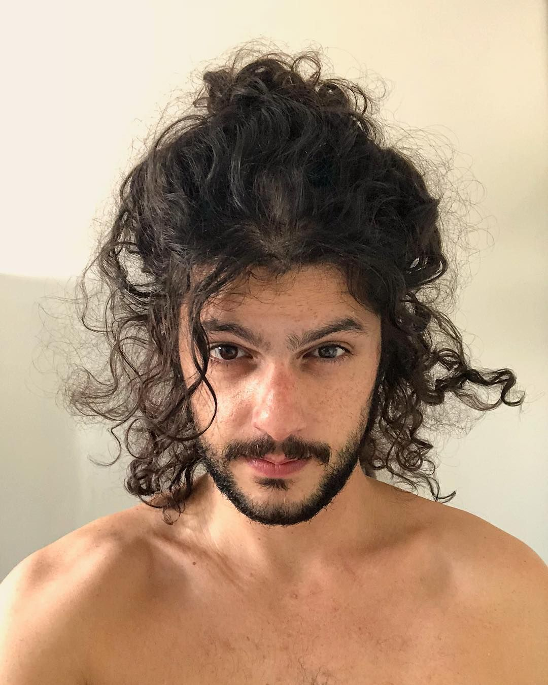 Estilo Elba Braidedhairstylewithbangs Long Face Hairstyles Long Curly Hair Men Long Hair Styles Men