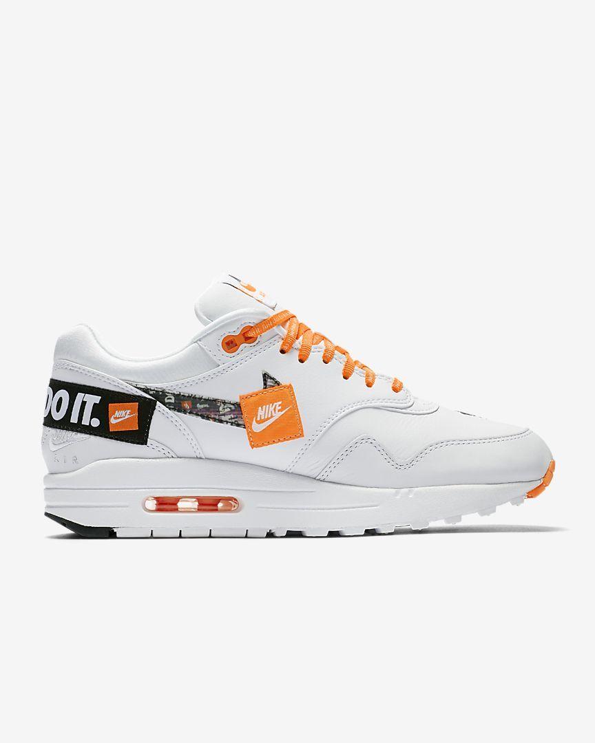 huge discount ba6ca 38e7c Nike Air Max 1 LX Women s Shoe