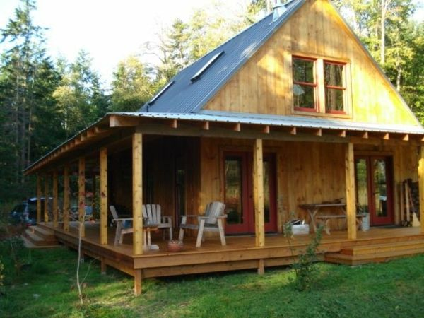 holzhaus mit vorbau veranda bauen holzdielen sch ner wohnen pinterest tiny house cabin and. Black Bedroom Furniture Sets. Home Design Ideas