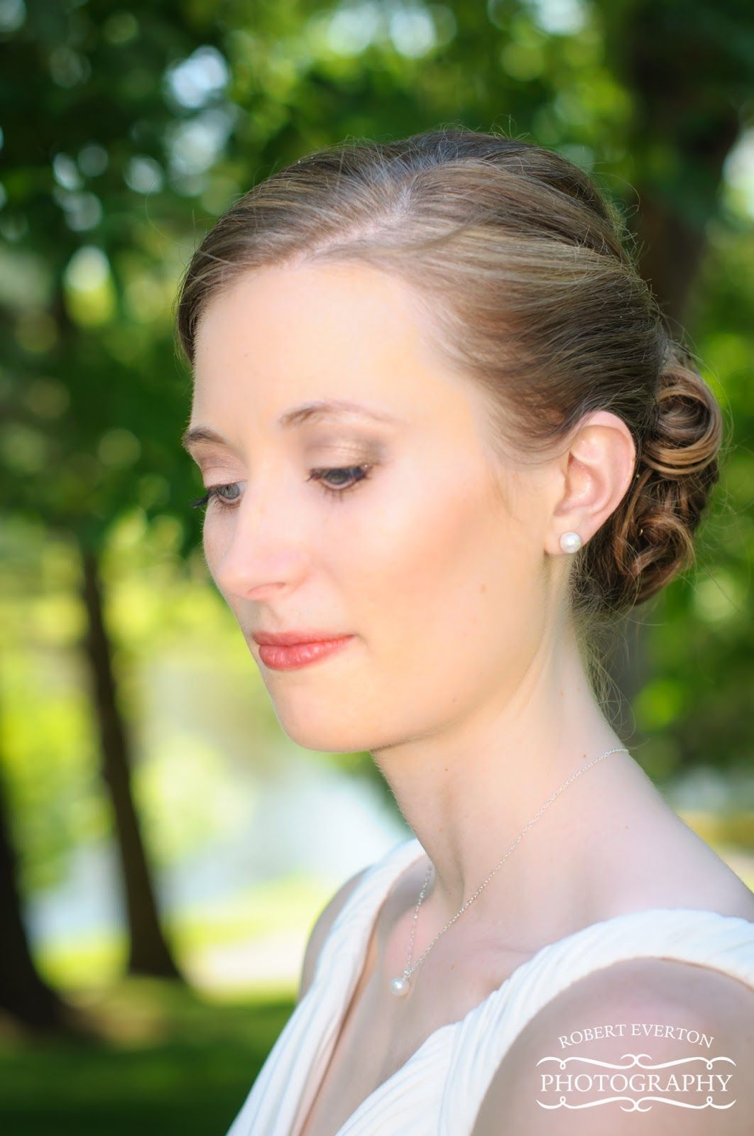 this beautiful bride is going for a natural look with subtle eye