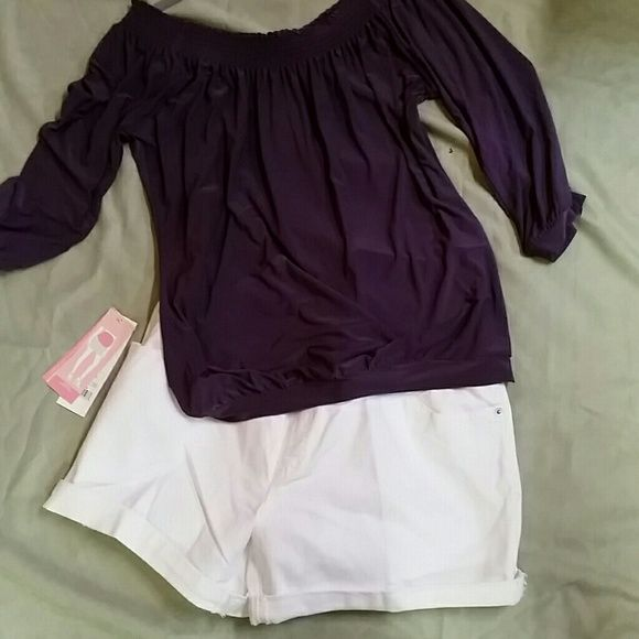 """NWT Liz Lang maternity short Can be worn over or under the belly.  Inseam = 5.5"""" Rise = 6"""" Hips = 20.5"""" Measurements do not include the belly band. Liz Lange Shorts Jean Shorts"""
